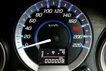 Hivatalos: újabb gyártó limitálja 180 km/órára összes autója végsebességét