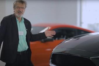Ahogy Mucsi mutat be egy Ford Mustangot, úgy nem mutat be senki