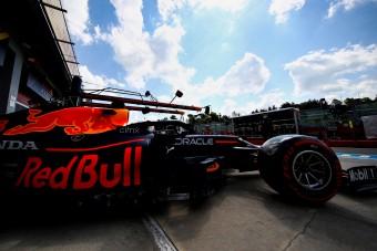F1: Csúnyán keresztbe tettek Verstappennek