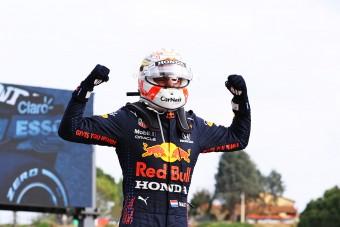 Verstappen: Nyugi, hosszú még a szezon