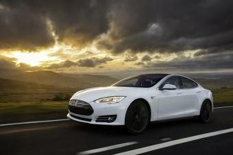 Porsche-Tesla-rangadó: kínos vereség