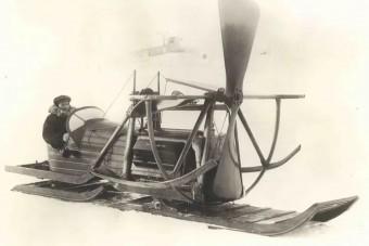 Az ember, aki kutyák helyett repülőgépmotort fogott a szán elé