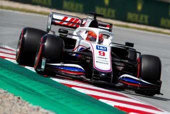 Megint kihúzta a gyufát az F1 rosszfiúja
