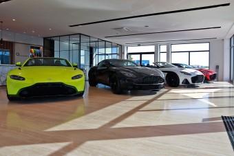 Hogyan és milyen Aston Martint vásárolnak a magyar milliárdosok?