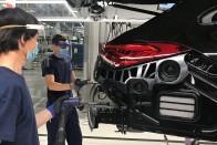 Segítséget kaphatnak a szenvedő autógyárak, itthon is 1