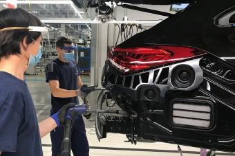 A számítógépek kinyírták az autóipart
