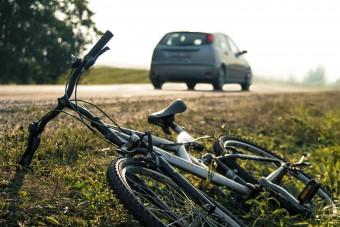 Telefonáló biciklist gázolt, mégis őt ítélték el