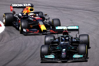 F1: Kiosztotta a Red Bullt Bottas