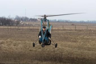 Helikoptert tákolt otthon, de majdnem húsdaráló lett belőle