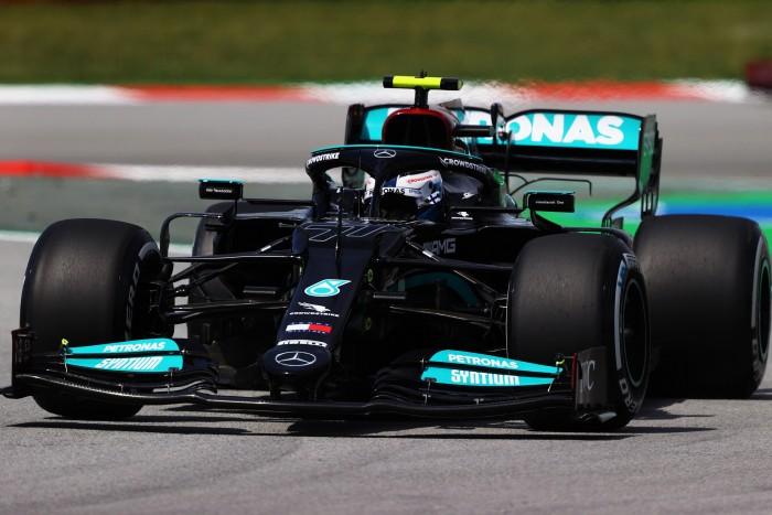 F1: Megszakítással indult a spanyol hétvége