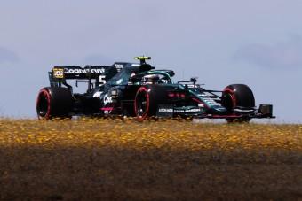 Vettel: A csapattársamnak jobb autója van