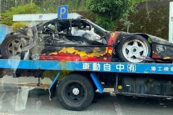 Szénné égett egy Ferrari F40. Megint!
