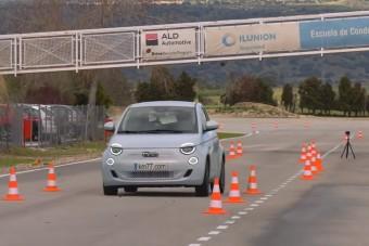Híres teszten a Fiat 500e – vajon bizonyított?