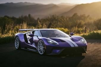 Egymillió dollárhoz közelít ennek a Ford GT-nek az ára