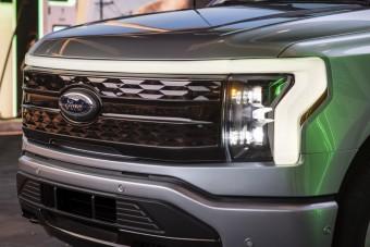Iszonyú erővel támad a Ford elektromos pickupja