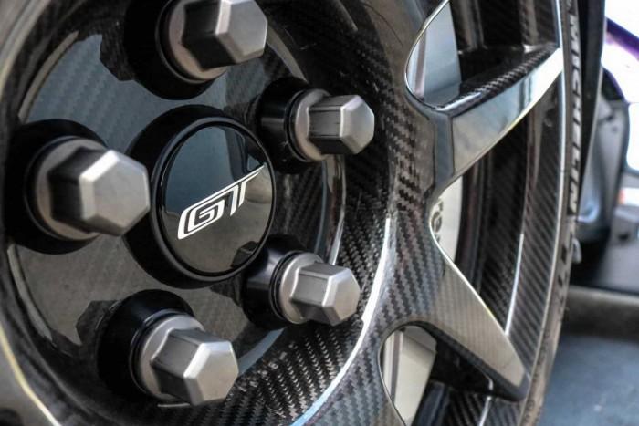 El precio de este Ford GT se acerca al millón de dólares 5
