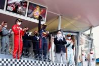 F1: Csapatát okolja a lebőgésért Hamilton 2