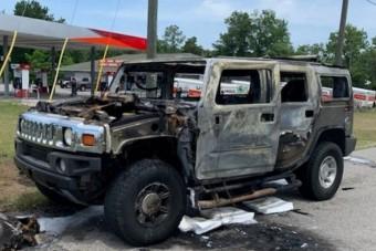 Kiégett egy benzingyűjtő autója Floridában