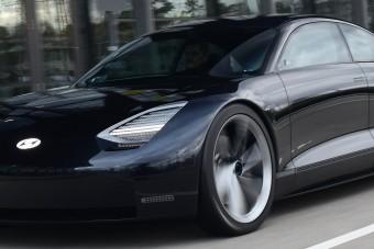 Elegáns villanyszedánnal bővít a Hyundai