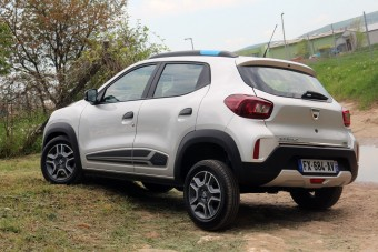 Fillérekből szervizelhető a Dacia Spring