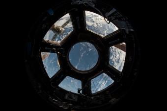 Egy orosz színésznő és rendezője is a Nemzetközi Űrállomásra utazik