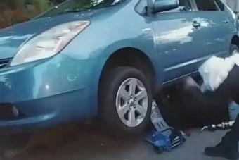 Fényes nappal, aljas módszerrel lopták ki a katalizátort az autó alól