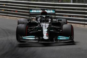 F1: Csapatát okolja a lebőgésért Hamilton