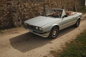 Már csak nézni is jó ezt a Maseratit, de meg is hajtanánk!
