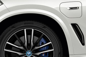 Fenntartható abroncsot kap a BMW óriáshibridje