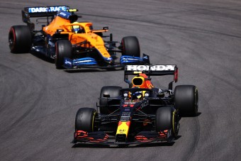 F1: Elrontották Pérez versenyét