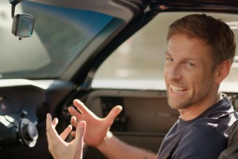Hamarosan beindul Jenson Button autógyára