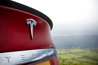 Lépéskényszerben a Tesla, csendben jött a nagy változás