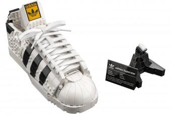 Jön a LEGO-építőkockákból álló cipő