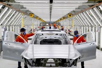 Szénmentes acélból építene autót a Volvo
