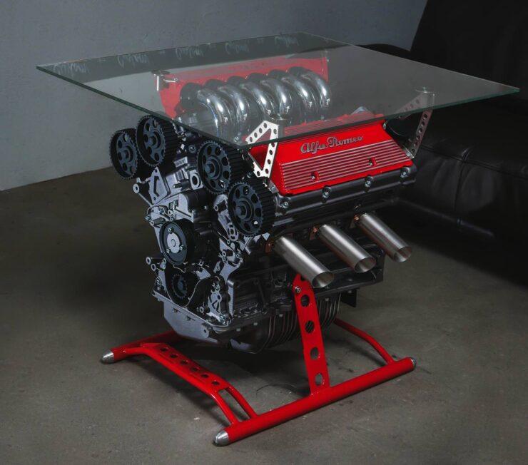 Minden kidobásra ítélt V6-os Alfa Romeo-blokkból legyen asztal! 3