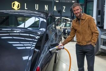 Autógyárat vett David Beckham