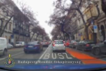 Megint több tucat buszsávhuszárt kapcsoltak le Budapesten