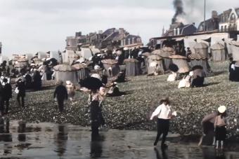 Ilyen volt egy nap a strandon 1899-ben
