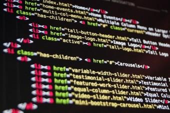 Eladják az internet eredeti forráskódját