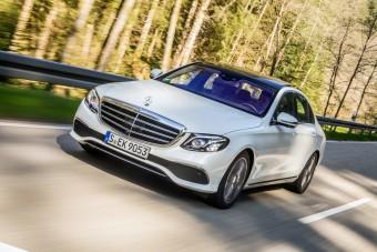 Mercedes-vásárlók adatai szivárogtak ki