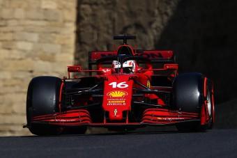F1: Leclerc és a Ferrari nyerte a balesetekkel teli azeri időmérőt
