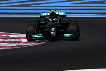 F1: Szétszakadt gumik, autótörések a francia hétvége nyitányán
