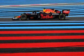 F1: Alig mérhető különbség a Red Bull és a Merci között