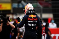 F1: A Mercedes mumusával is elbánt Hamilton 3