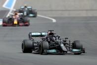 F1: Kínos hátraarc Hamiltontól, összevissza beszél 1