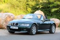 800 ezret rögtön elvitt a szép piros BMW 1