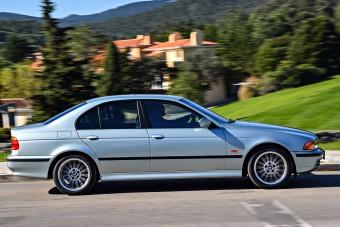 Pénztemető használtan a V8-as BMW?