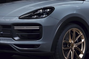 Filmen a leggyorsabb Porsche terepjáró