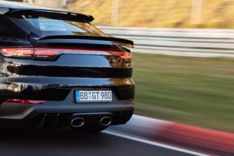 Videón a Porsche elképesztő körrekordja