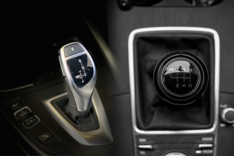 Ennyit fogyasztanak a legnépszerűbb használt autók manuális és automata váltóval